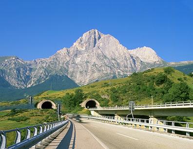 Chiusura Traforo Gran Sasso: Confindustria Abruzzo sollecita l'immediata soluzione