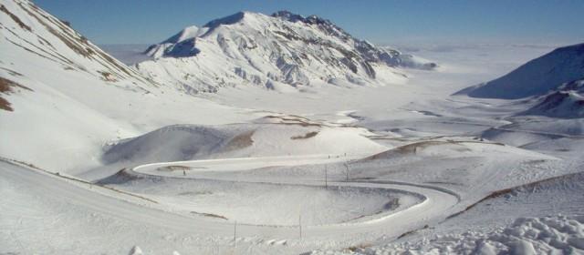 Turismo: neve bacia le montagne e la stagione parte con il turbo