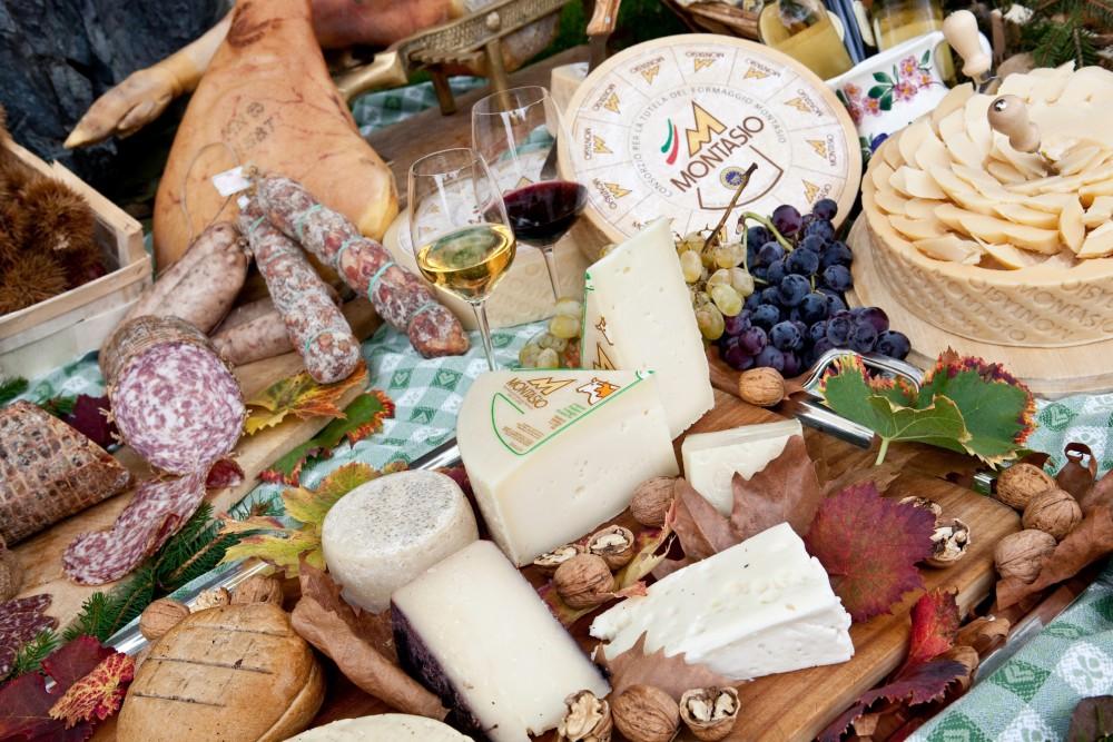 Per un italiano su 4 il cibo pu essere anche un souvenir for Prodotti tipici roma
