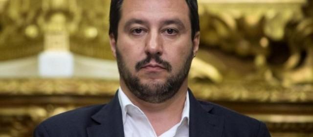 """Vaccini, Salvini: """"10 sono pericolosi. Tutti i bimbi a scuola"""""""