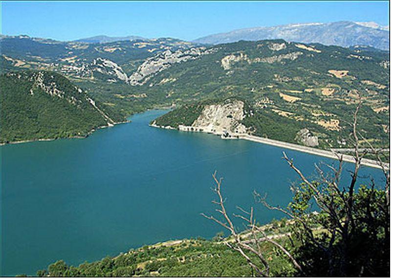No della Regione Abruzzo alle estrazioni a ridosso del lago di Bomba ...
