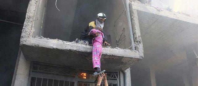 Siria: bimba in pigiama rosa simbolo dei civili sotto attacco