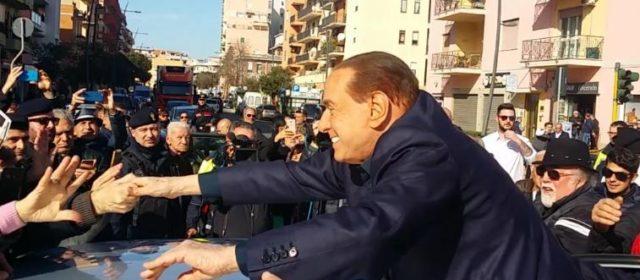 """Berlusconi: """"Mi candido alle elezioni europee, il centrodestra è il futuro"""""""