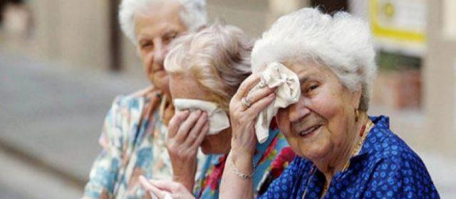 Caldo: allarme rosso per anziani, ecco decalogo salva vita